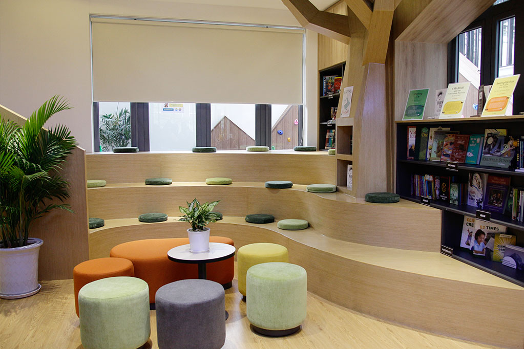 Everest Education D73 - library