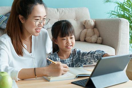 homeschool-kid-and-mom